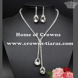 Wholesale Unique Rhinestone Necklace Set With Diamond Pendant