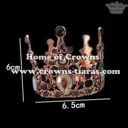 Crown Shaped Pendant With Black Diamond